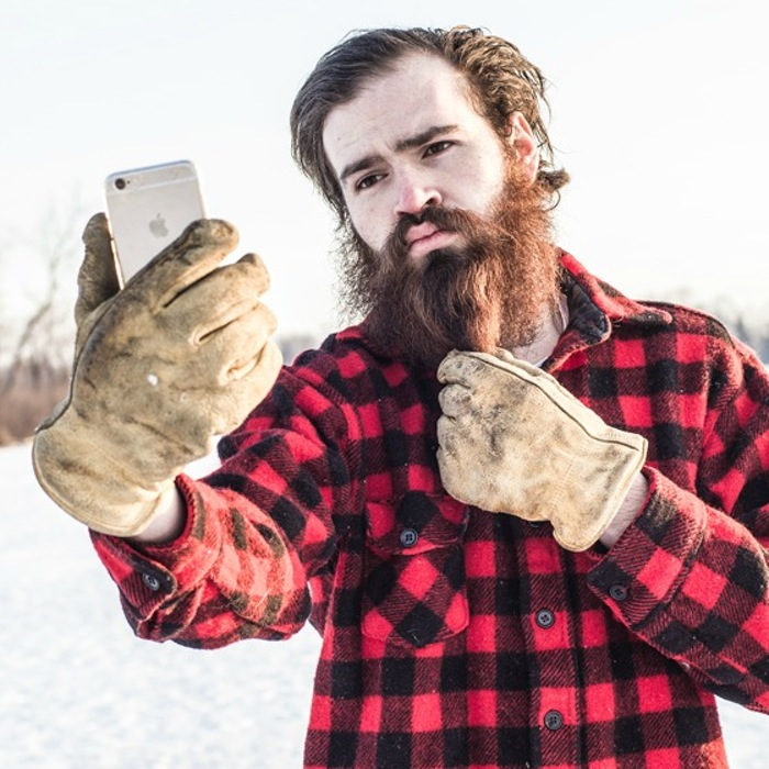 ctyp_iphone_lumbersexual_560